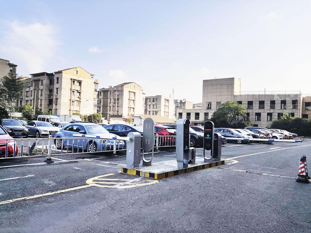 摆脱停车场拥堵和收费难,来看看常州江南商业银行无人值守停车场解决方案吧!